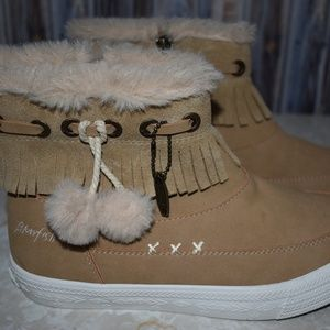 Blowfish Women's 6 Booties Camel Faux Fur New